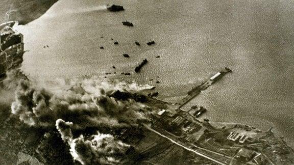 Deutscher Luftangriff auf den Hafen in der Souda-Bucht Kreta 1941
