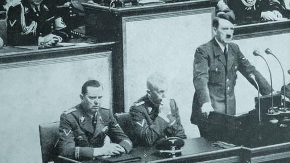 Hitler bei Reichstagsrede am 1. September 1939