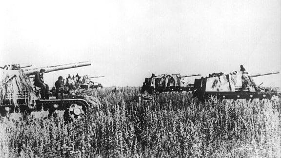 Panzerhaubitzen Hummel an der Ostfront, 1943