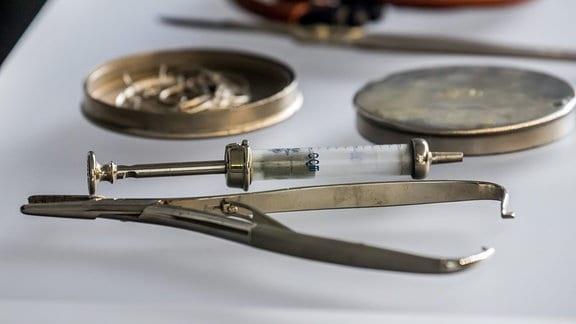 In allen bekannten Konzentrationslagern wurden Menschenversuche, innerhalb der medizinischen Forschung durchgeführt