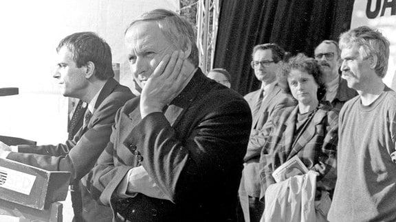 Oskar Lafontaine mit Reinhard Höppner im März 1990