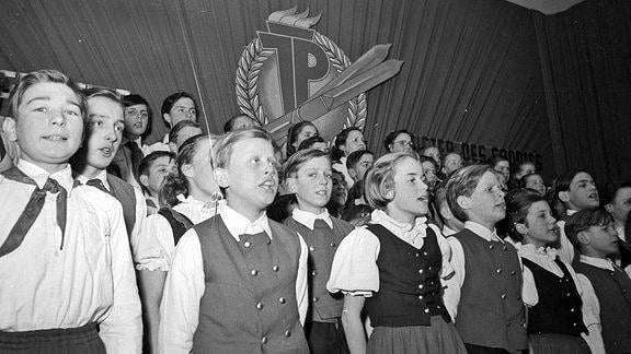 Gemischter Chor Junger Pioniere - DDR 1962