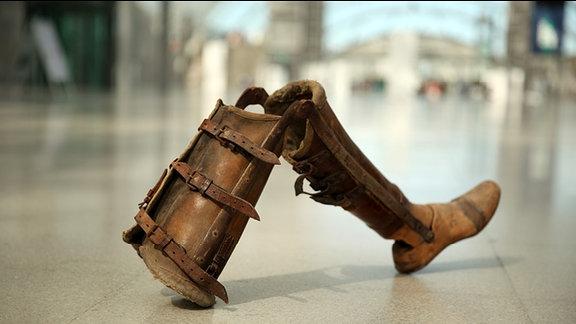 Holzprothese aus Zeiten des Ersten Weltkrieges