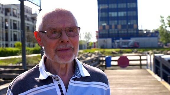 Ingo Schöngraf war damals Betriebsratsvorsitzender in der Reederei. Er warnte die Treuhand vor dem Verkauf an die Investoren aus den Niederlanden und Deutschland. Doch seine Einwände wurden ignoriert.