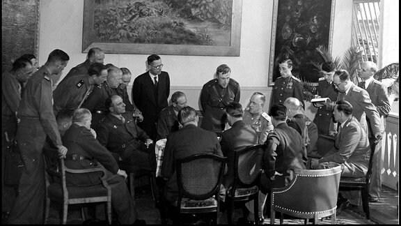 Alliierte Siegermächte und Frankreich übernehmen am 5. Juni 1945 durch Berlin-Deklaration Regierungsgewalt in Deutschland