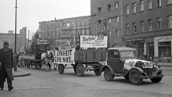 Demonstration für Bodenreform in Leipzig 1946