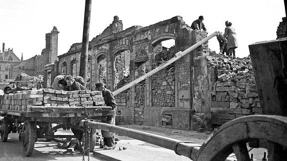 Beseitigung Trümmer Bergung Baumaterialien 1947 Katharinenstraße Leipzig,