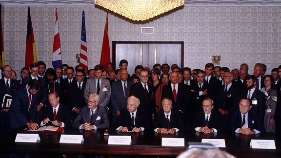 Unterzeichnung  Zwei-plus-Vier-Vertrag in Moskau September 1990