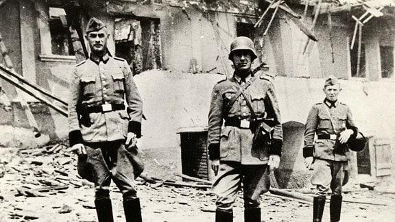 Zweiter Weltkrieg 1939-1945. Der Sicherheitsdienst des Reichsführers-SS (Abkürzung SD) war Teil des nationalsozialistischen Machtapparates.