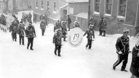 Faschingsumzug im Schnee