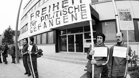 Proteste der Gesellschaft für Menschenrechte und der Vereinigung der Opfer des Stalinismus für die Freiheit der politischen Gefangenen in der DDR, 1975