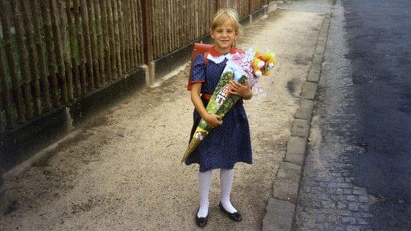 Katharina Kraft mit Schultüte