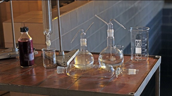 Glasballons im Chemielabor