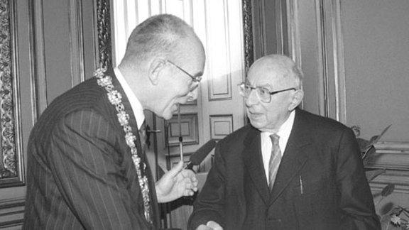 Hans Mayer mit Ehrendoktorwürde ausgezeichnet