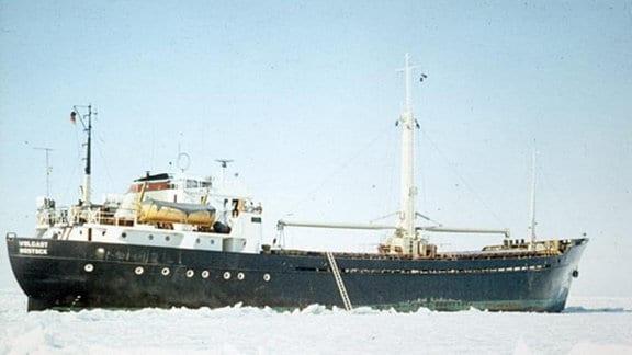 Wolgast 1971 fest im Eis Finischer Meeresbusen