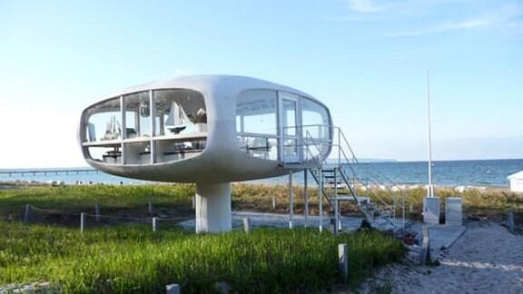 Ehemaliger Rettungsturm nach Entwürfen des Architekten Ulrich Müther