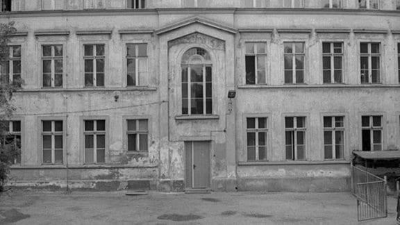Rückansicht d. Poliklinik auf dem Konsulplatz in Görlitz