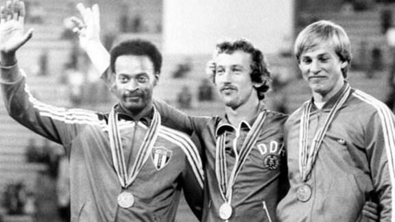 (l-r) Alejandro Casanas aus Kuba (Silber), Thomas Munkelt aus der DDR (Gold) und Alexander Putschkow aus der UdSSR (Bronze).