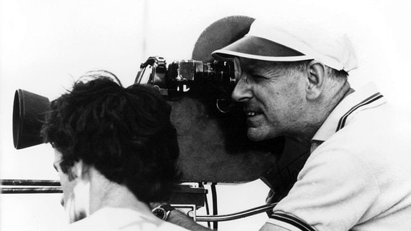 DEFA-Regisseur Kurt Maetzig bei Dreharbeiten Mitte der 60-er Jahre