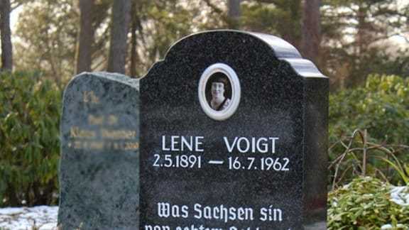 Grabstein von Lene Voigt
