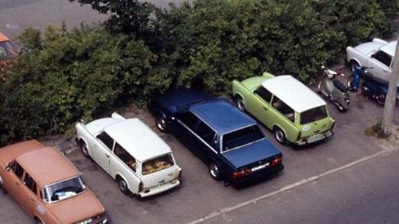 Blick auf verschiedene DDR-Autos