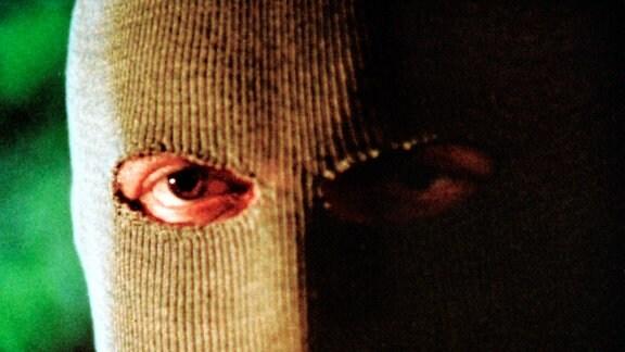 30 Jahre Polizeiruf 110    ARD/MDR FERNSEHEN - 30 JAHRE POLIZEIRUF 110: Der Mann im Baum, Kriminalfilm DDR 1988, Regie Manfred Mosblech, am Freitag (22.06.01) um 22:45 Uhr im Ersten.