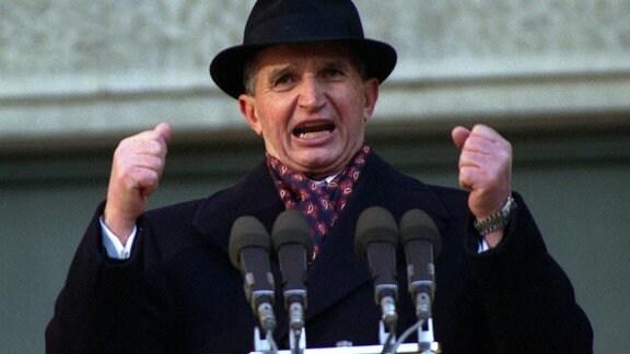 Nicolae Ceausescu (Staatspräsident Rumänien) in Bukarest. 1989