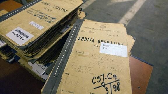 Einstige Akten des rumänischen Geheimdienstes Securitate im Archiv der Aktenaufarbeitungsbehörde CNSAS nahe Bukarest.