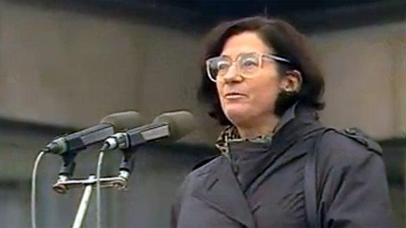 Christa Wolf am 04.11.1989 ihre Rede auf dem Alexanderplatz