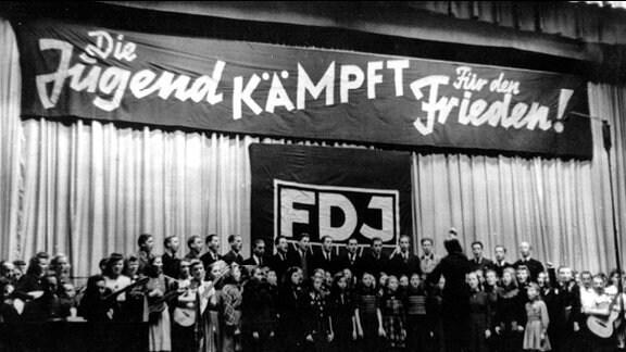 FDJ - offizielle Gründungsfeier - 8. November 1947 im Berliner Friedrichstadt-Palast