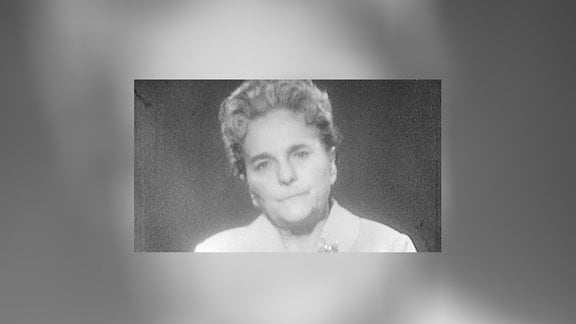 Schwarz-weiss-Aufnahme von Lotte Ulbricht Frau des DDR-Staatsratsvorsitzenden Walter Ulbricht, 1963