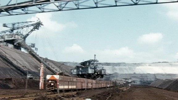 Abraumbagger im Tagebau Goitzsche