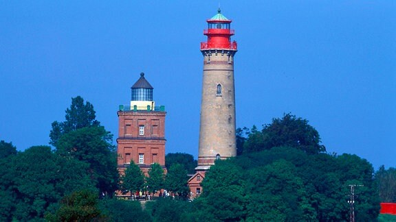 Alter und neuer Schinkel-Leuchtturm am Kap Arkona auf der Insel Rügen