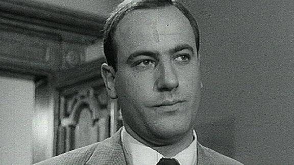 (Filmszene) Manfred Krug mit Krawatte