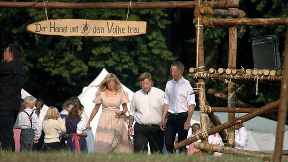 """Ein Zeltlager der """"Heimattreuen Deutschen Jugend"""" in der Nähe der Gemeinde Fromhausen in Nordrhein-Westfalen"""