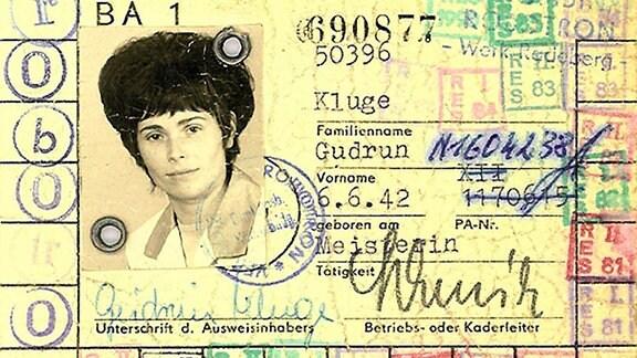 Gudrun Kluge: Betreibsausweis robotron.
