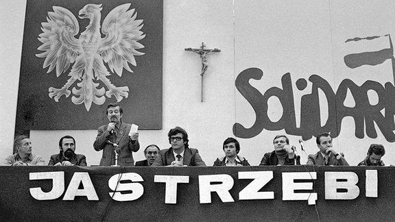 Lech Walesa spricht 1980 auf einer 30-Jahre-Feier der Republik Polen in der Kohlegrube in Jastrzebie Zdroj.