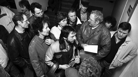Jeden Tag drängeln sich die Antragssteller in den Warteräumen der Gauck-Außenstelle in der Oderstadt, um Anträge auf Einsicht in die Stasi-Akten abzugeben.