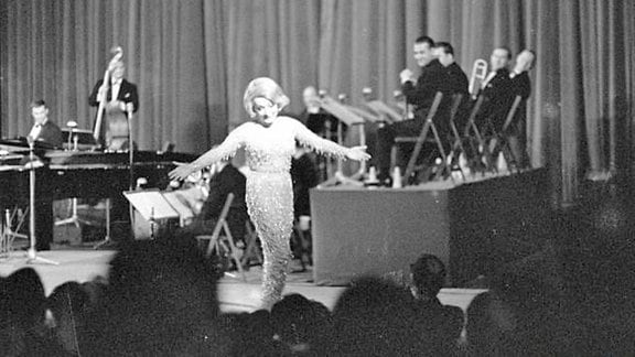 Auftritt von Marlene Dietrich in der Kongresshalle