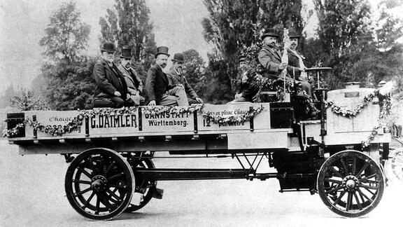 Erster LKW von Daimler
