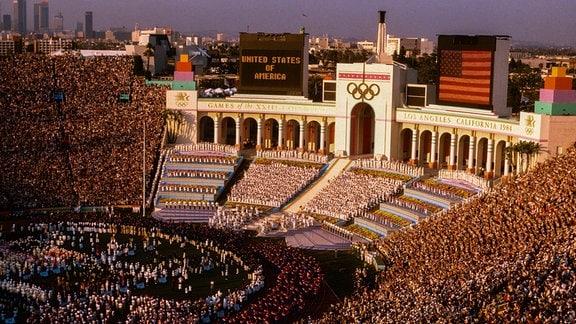 Die Eröffnungszeremonie bei den Olympischen Sommerspielen 1984 in Los Angeles.