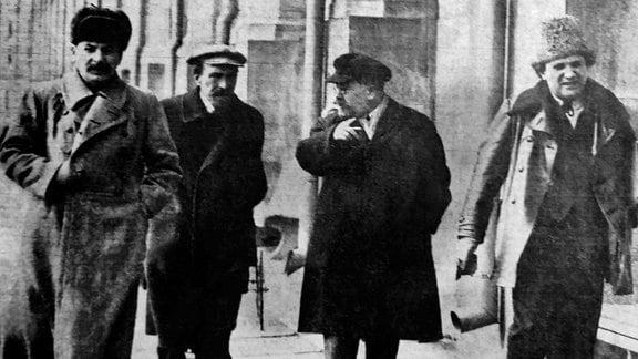 Josef Stalin, Alexei Rykow, Lew Kamenew, Grigori Sinowjew, 1925