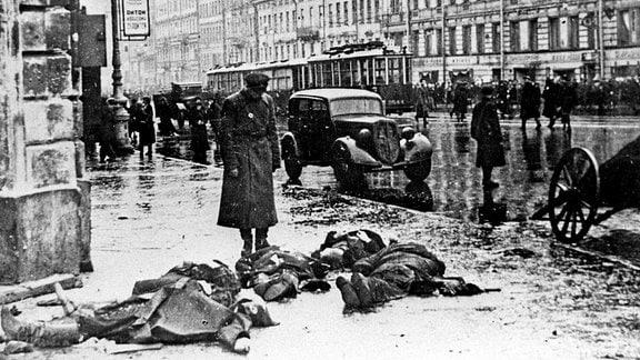 Tote nach deutschem Beschuss bei Leningrad-Blockade 1941