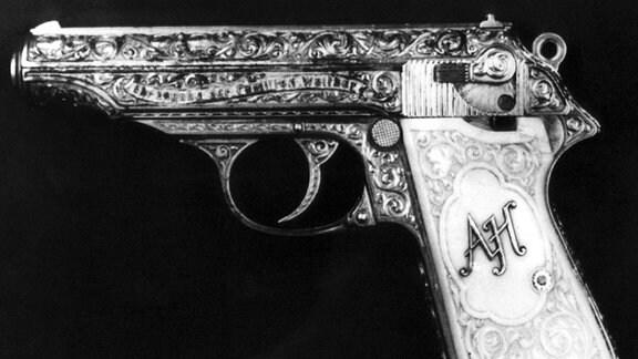 Nahaufnahme der Pistole Modell pp Walther aus dem Nachlass des Nazi-Führers Adolf Hitler.