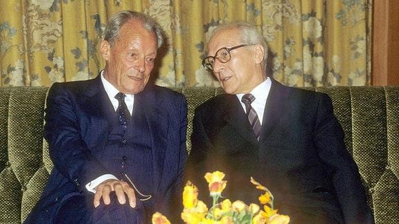 Willy Brandt und Erich Honecker in Bonn